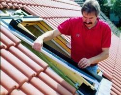 durchdachter dachausbau dachfenster einbauen. Black Bedroom Furniture Sets. Home Design Ideas