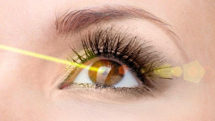 Augen lasern: Nie wieder Brille oder Kontaktlinsen