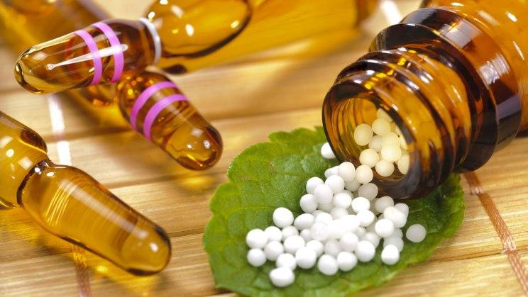 Homöopathie: Kügelchen helfen bei verzögerter Geburt