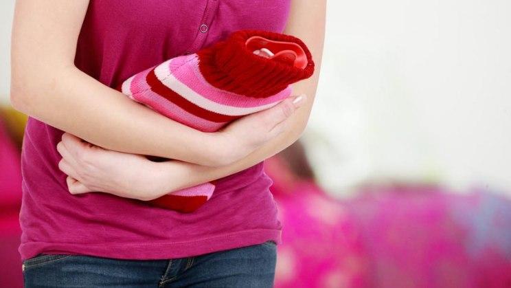 Eine akute Magenschleimhautentzündung lässt sich mit Wärme lindern