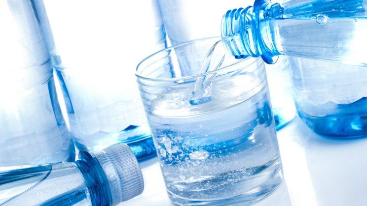 Mineralwasser als kalorienfreier Durstlöscher