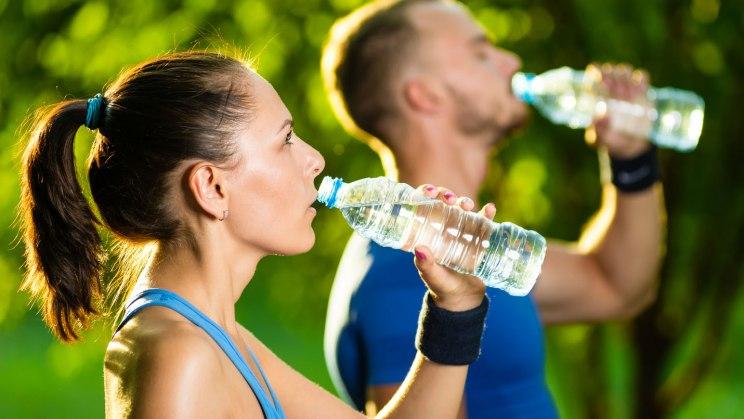 Wasser ist ein lebenswichtiger Durstlöscher