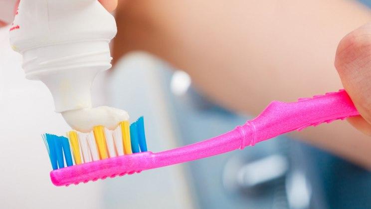Zähne richtig putzen -  so vermeiden Sie Zahnschäden