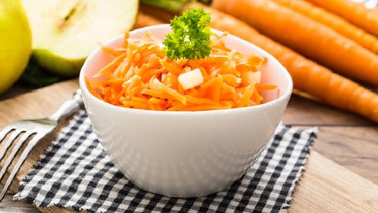 Schale mit Karotten: So funktioniert die Fatburner-Diät
