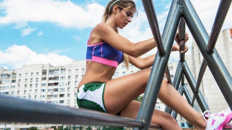 Crossfit ist für Frauen sowie für Männer gut geeignet, die physische Leistungsfähigkeit zu erhöhen.