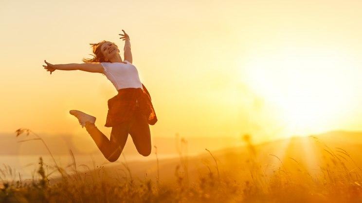 Vitamin D kann von der Sonne gewonnen werden.