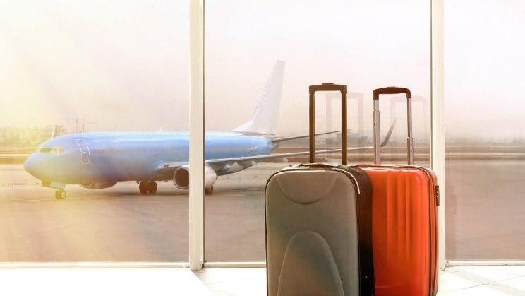 Unter Umständen lassen sich Medikamente auch im Handgepäck transportieren.