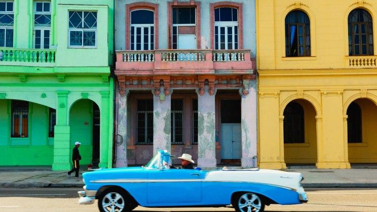 Sie möchten mit dem Auto durch Havanna fahren? Schön, aber denken Sie an die Impfungen für Kuba