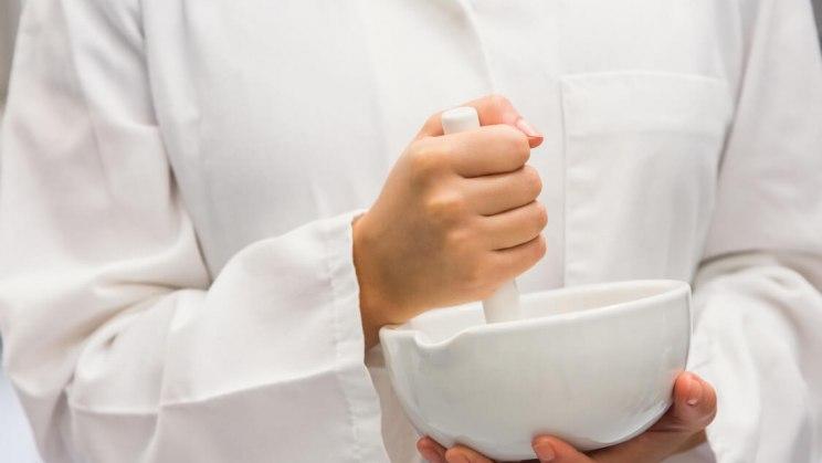 Bei Scheidenpilz kann auch Homöopathie Linderung bringen.