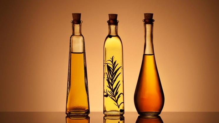 Raps-, Sonnenblumen- oder Disteöl sind gute Vitaminlieferanten