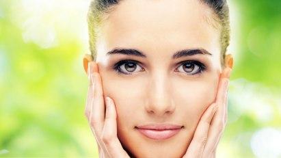 Hautpflege im Winter - Tipps gegen spröde und rissige Haut