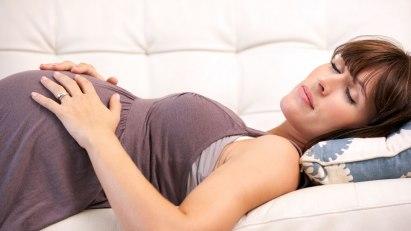 Viele Schwangere verspüren extreme Müdigkeit