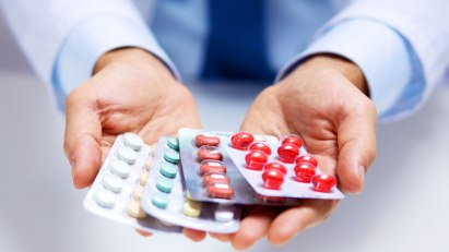 Medikamente-Blister: Medikamente halten eine Colitis ulcerosa in Schach