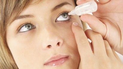 Augenentzündungen können verschiedene Formen annehmen, wie Bindehautentzündung oder Hornhautentzündung.