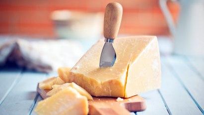 Parmesankäse als laktosearme Käsevariante