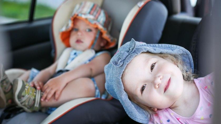 Babysitz - so reisen Kinder sicher im Auto
