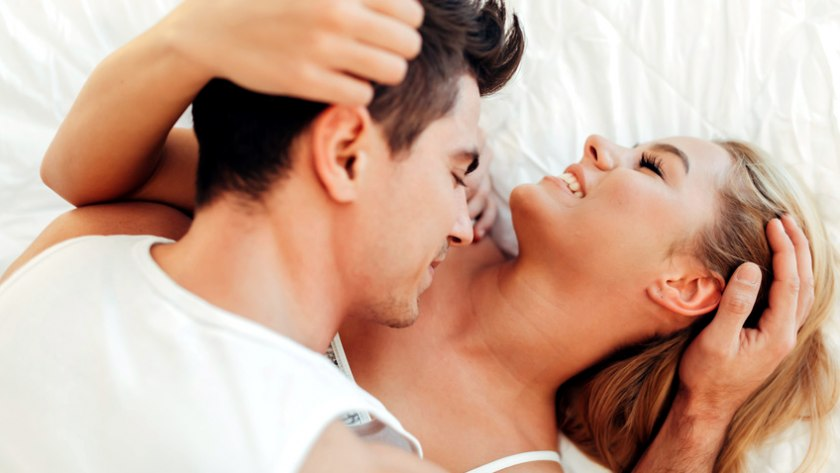Paar beim Sex: Testen Sie Ihr Wissen im Sex-Quiz