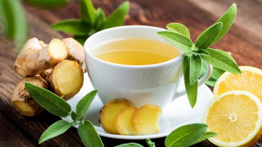Abbildung von Hausmitteln, wie z.B. Tee, bei einer Erkältung